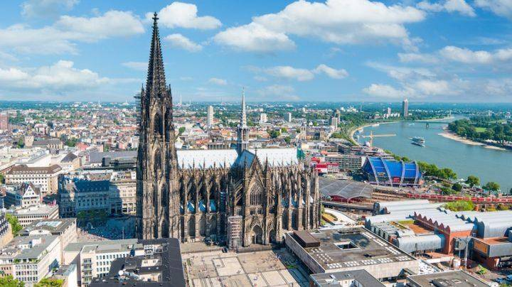 Cologne-Cathedral-Panorama-720x404