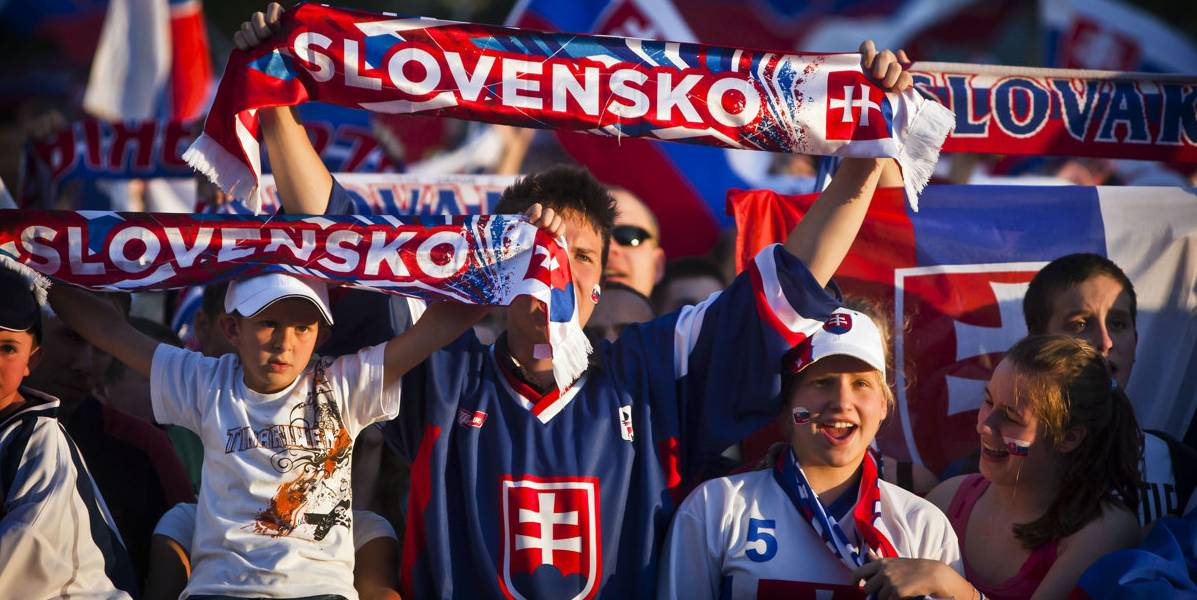 57e2aeed9cb9b Hokejová novinka. Suveníry na majstrovstvá sveta už aj na pošte |  FutbalTour.sk